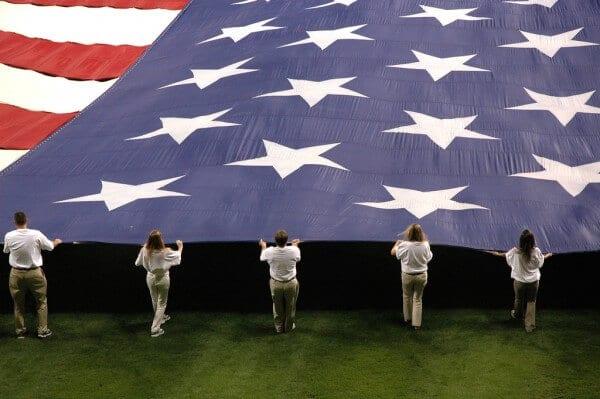 Les 50 drapeaux des 50 États des Etats-Unis