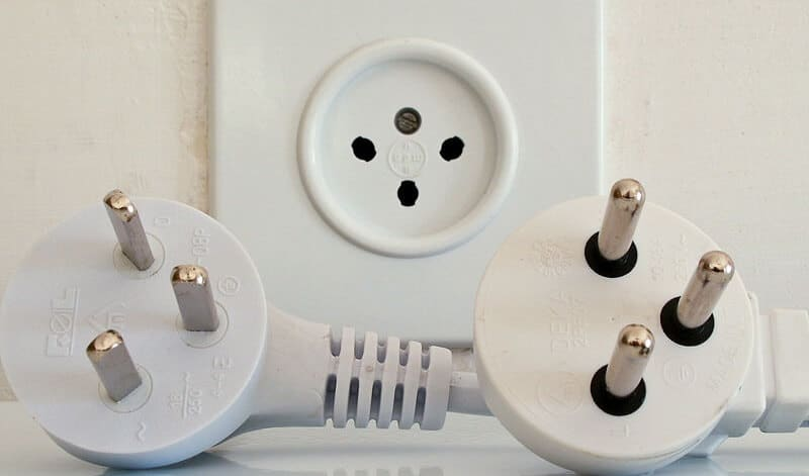 Prise électrique à l'étranger