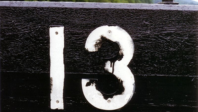 Superstitions, continents, chiffres, 13