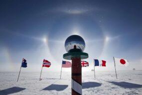 Drapeaux, Pôle Sud