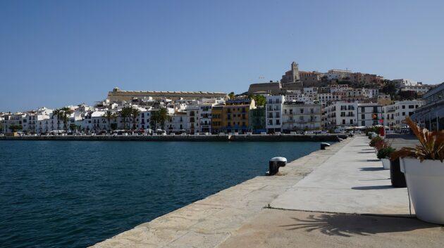 Dans quelle ville loger à Ibiza ?