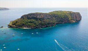 L'Île Dino en Italie : l'idyllique retraite calabraise d'une famille milliardaire