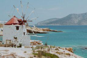 koufonissi moulin et mer bleue en grece
