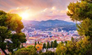 Où et comment louer un camping-car autour de Nice ?