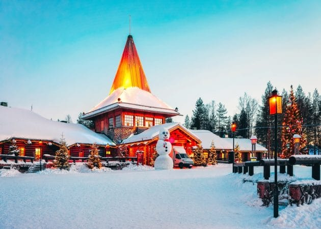 rovaniemi village du pere noel sous la neige