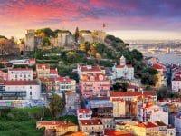 Vue de Lisbonne et château Sao Jorge