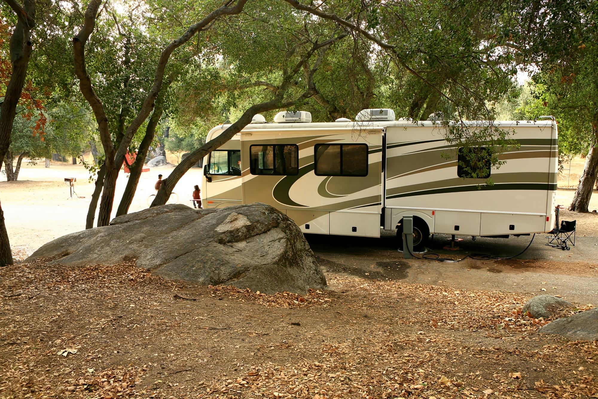 Camping-car abrité