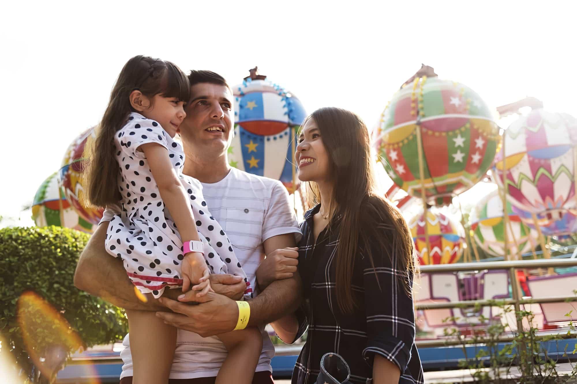Vacances en famille Parc d'attractions Ensemble