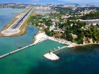 aéroport de l'île de Corfou dans la région de Kanoni, Ionien, Grèce