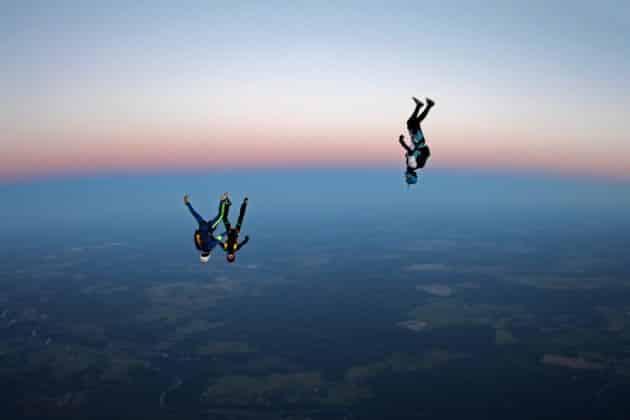 Où faire un saut en parachute en Corse ?