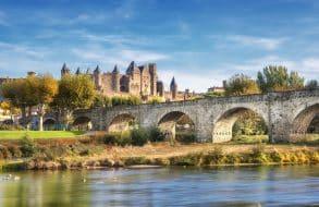 L'Aude avec vue sur la cité de Carcassonne