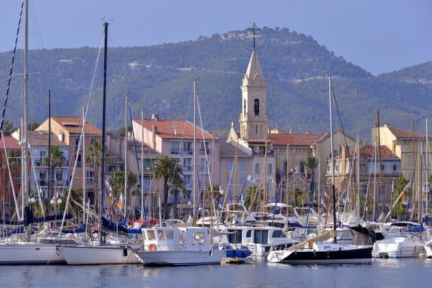 Vue sur le port de Sanary-sur-Mer