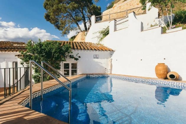 Villa Sa Caleta, collée à la mer