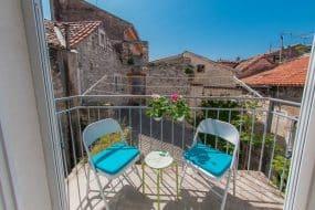 Heritage studio apartment-Prime location in Palace airbnb split