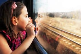 Enfant qui voyage