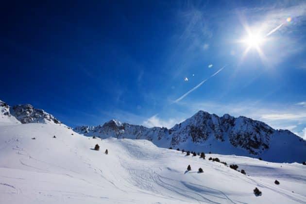 11 randonnées en raquettes à faire dans les Pyrénées
