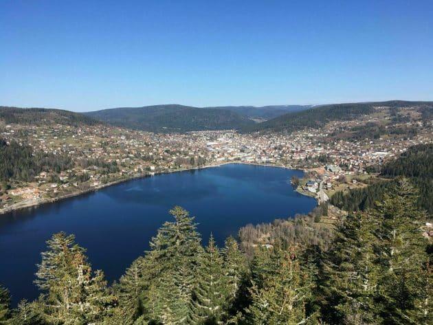 L'observatoire de Mérelle et le lac