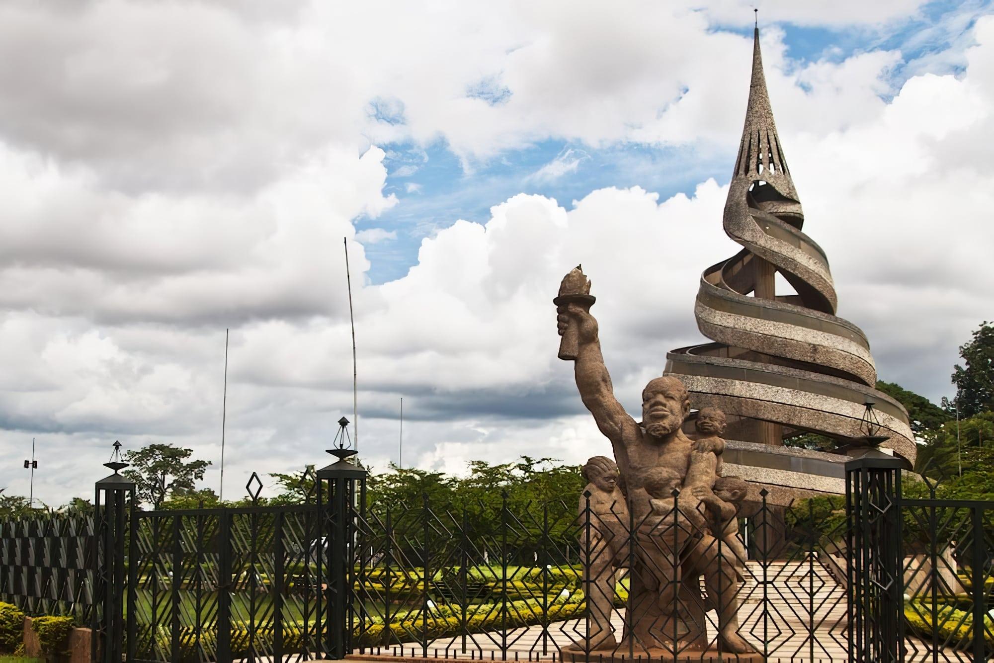 visiter Yaoundé : le Monument de la Réunification
