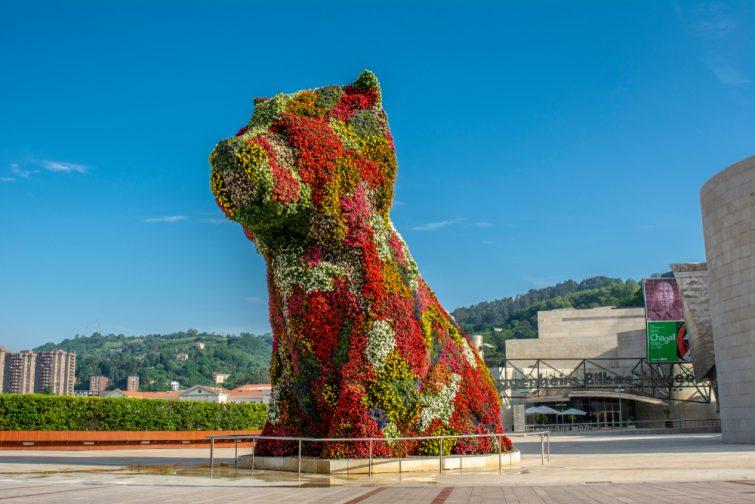 Visiter le musée Guggenheim : Puppy de Jeff Koons