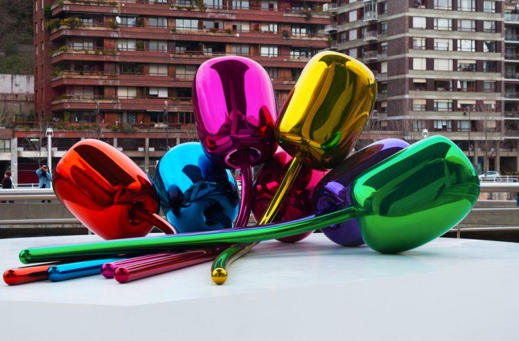 Visiter le musée Guggenheim : Tulips de Jeff Koons