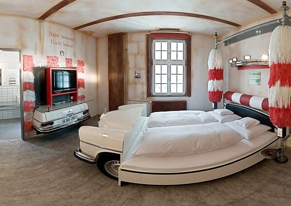 v8-hotels-2