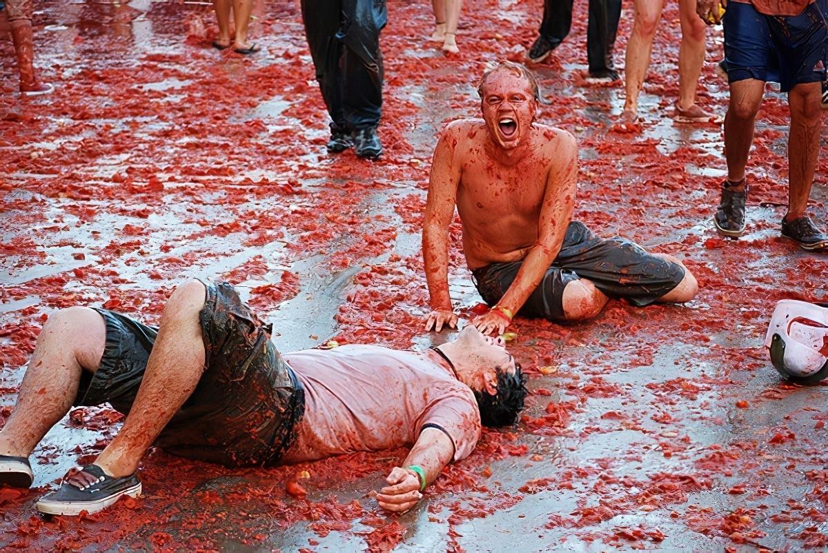 La Tomatina, festival sous forme de bataille de tomates