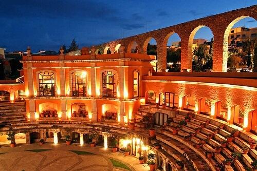 Hôtel insolite dans des arènes au Mexique