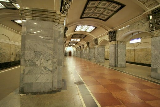 metro-saint-petersbourg