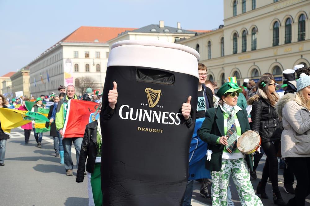 Personne déguidée en Guinness, Munich, Saint Patrick