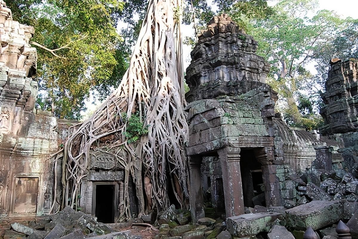 Visiter les temples d'Angkor en VTT