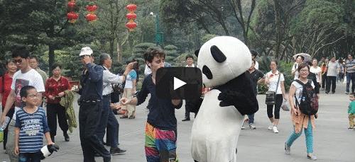 Il danse pendant 100 jours en Chine