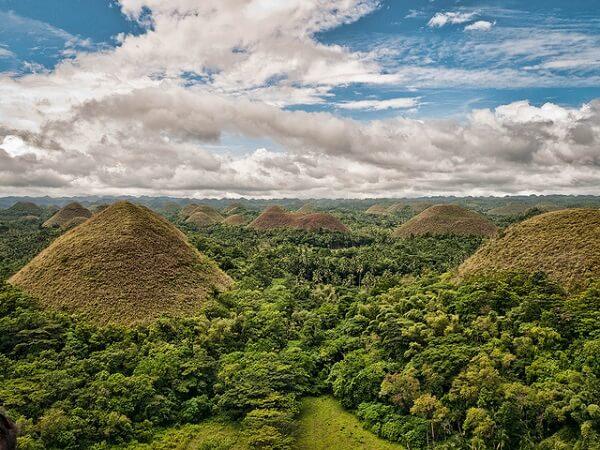 chocolate hills philippines
