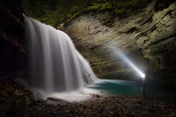 Les rocheuses canadiennes à l aurore par paul zizka