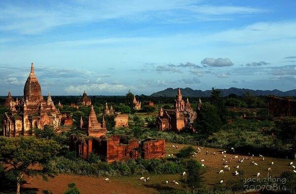Partez à la découverte des mystères de la ville de Bagan en Birmanie