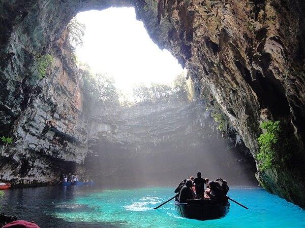Grotte de Melissani Grece