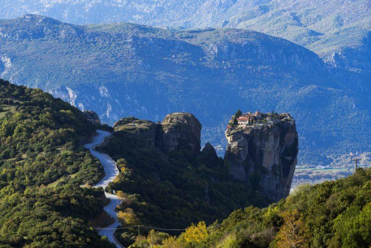Route menant au Holy Trinity, monastères des Météores, Grèce