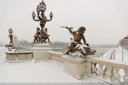 Le Pont Alexandre III sous la neige, Paris