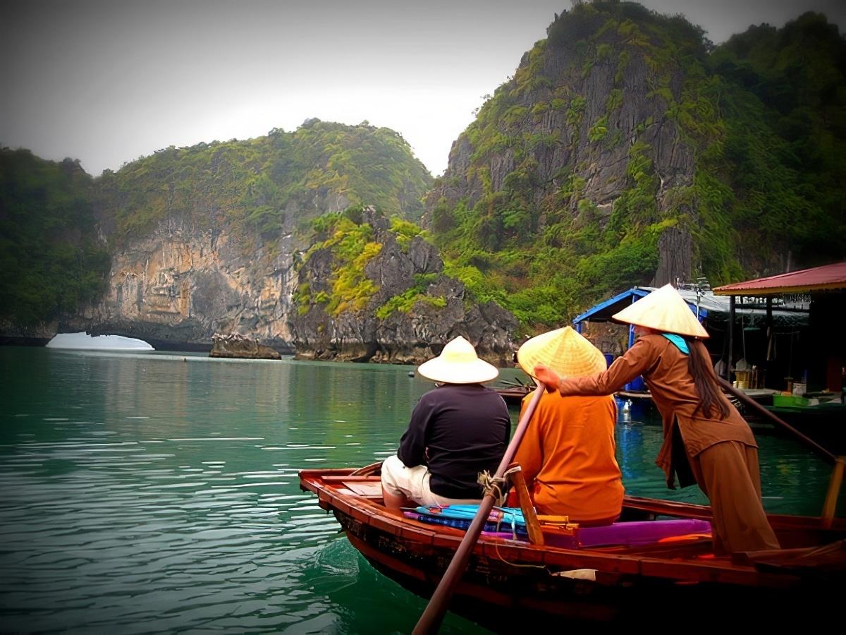 Visiter la Baie d'Halong : réservations & tarifs
