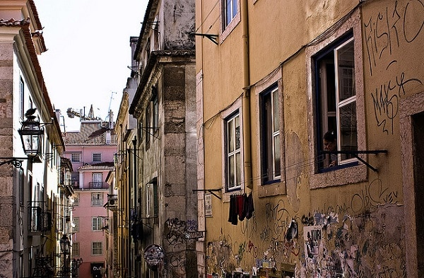 Rue du bairro alto Lisbonne