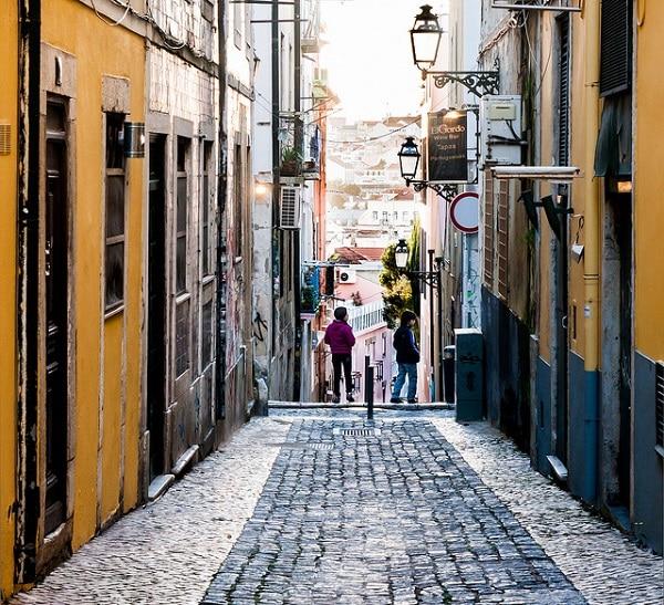L'ambiance bohème du quartier Bairro Alto à Lisbonne