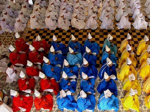 Temple Cao Dai Tay Ninh Prière