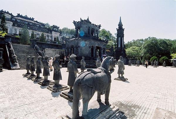 Tombeau Khai Dinh Hué  Vietnam