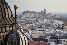 Vue lointaine du Château du Wawel Cracovie