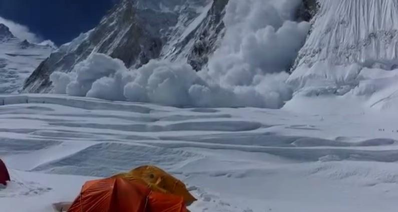Une avalanche meurtrière sur l'Everest