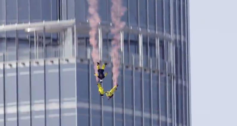 Ils font du BASE Jump depuis le Burj Khalifa