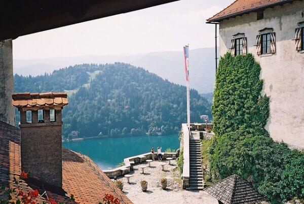 C'est de toute beauté : sites et lieux magnifiques de notre monde.  - Page 2 Bled-slovenie-600x402