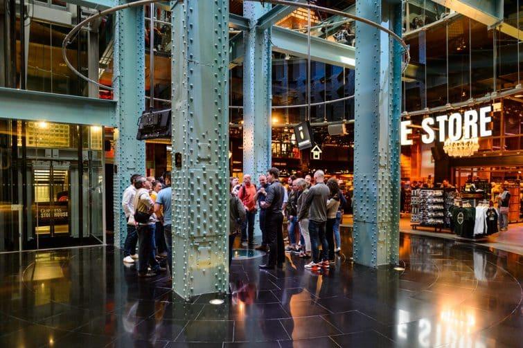 Intérieur du Guinness Storehouse à Dublin