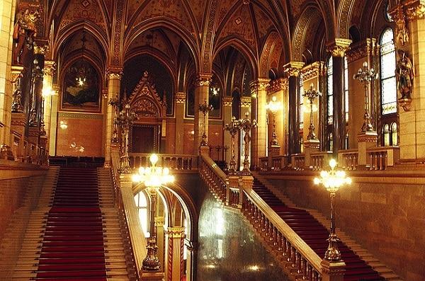 Escalier principal Parlement Hongrois