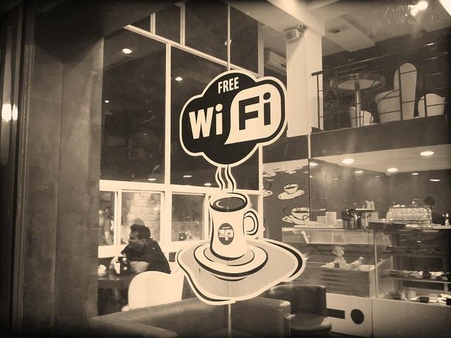 Quels aéroports proposent le Wi-Fi gratuit ?