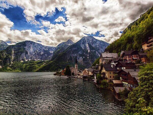 C'est de toute beauté : sites et lieux magnifiques de notre monde.  - Page 2 Hallstatt-autriche-600x450